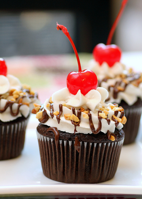 Chocolate Sundae Cupcakes